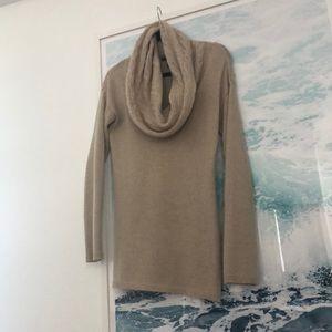 Autumn cashmere beige cashmere sweater